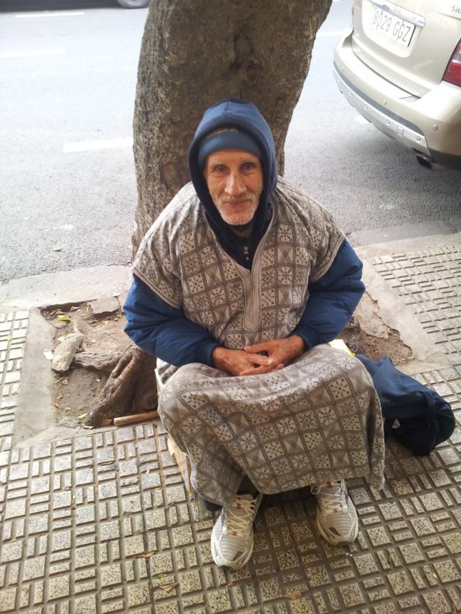 Título: Sidi Mohamed  Descripción: La cara de la humildad de un señor que me encuentro todos los días en el mismo sitio por la mañana temprano de camino al Instituto. Autora: Ruth Doblas